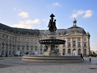 Bordeaux - La place de la bourse