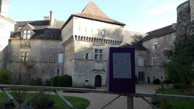 Au château de Cénevières dans le Lot
